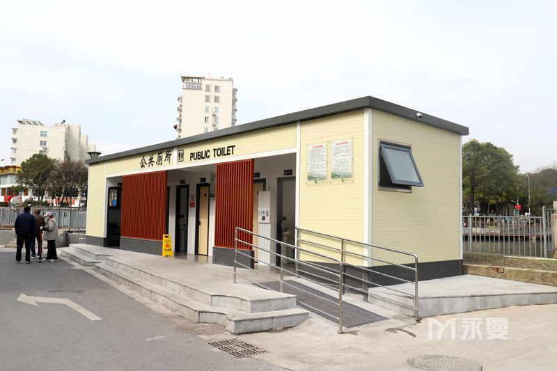 昆山玉龙菜市场公共厕所